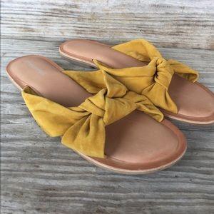 Jeffrey Campbell mustard yellow slide sandals 8